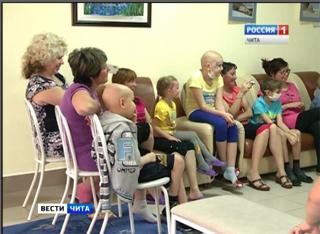 Необычные гости навестили пациентов клиники детской онкологии